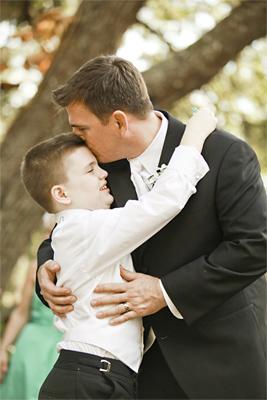 Αγκαλιά πατέρα γιου